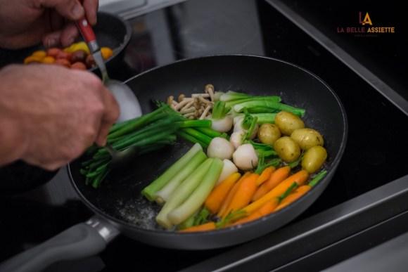 carottes,  poireaux, haricots verts, oignons ciboule, pommes de terre, navets à la poele