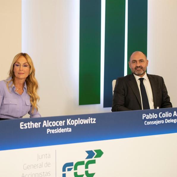 Esther Alcocer Koplowitz, presidenta del Grupo FCC, y Pablo Colio Abril, consejero delegado de la compañía. CEDIDA