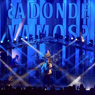 """El grupo colombiano Morat durante el concierto que ofrece en el Festival de Cap Roig, dentro de su gira """"¿A dónde vamos?"""", este lunes en Calella de Palafrugell, Girona. EFE/David Borrat"""