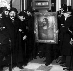 """""""Mona Lisa"""" volta ao Louvre!"""