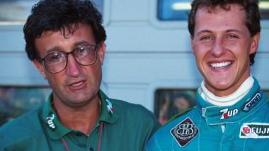 Eddie Jordan, chefão da equipe, e o espinhudo Schumi