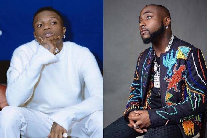 See Photos Of What Wizkid Gave A Davido Fan That Is Causing Mixed Reactions Amongst His Own Fans