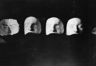 Horace Nicholls, The mould in different stages. From left to right the mask mould, the mask cast, the cast with the good eye restored, the plate moulded, and the finished plate attachment. Imperial War Museum, Q.30.459. Photograph courtesy of the Imperial War Museum, London.