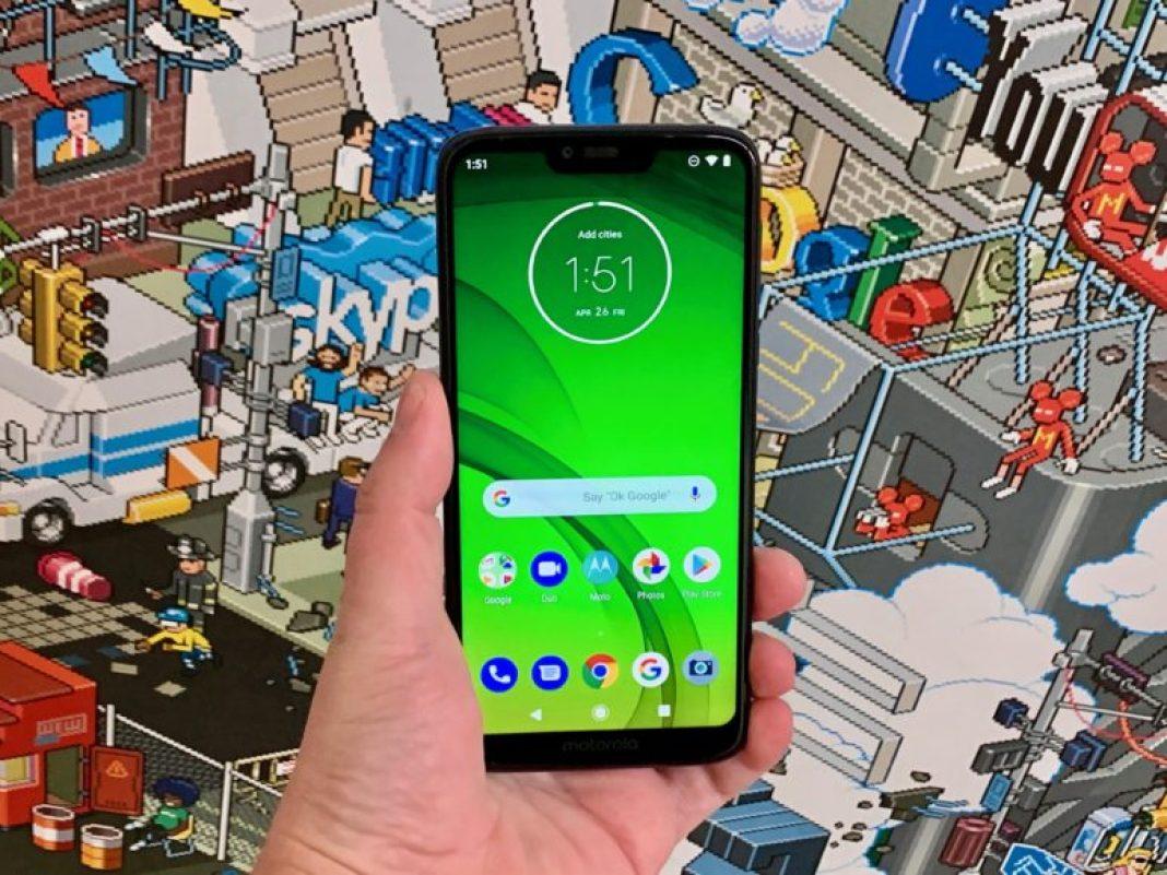 Motorola G7 Power – Big screen, small resolution