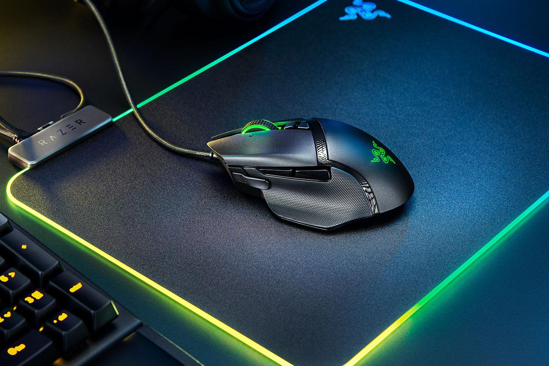 Razer Basilisk V2: best mid-range gaming mouse