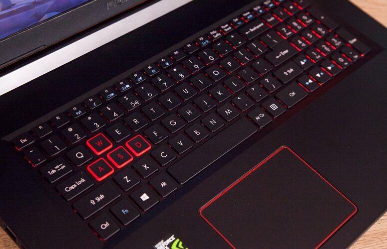 Il miglior laptop per giochi economico Acer Predator Helios 300