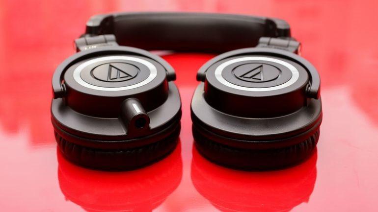 Audio Technica ATH-M50x un paio di cuffie chiuse dal suono eccelente