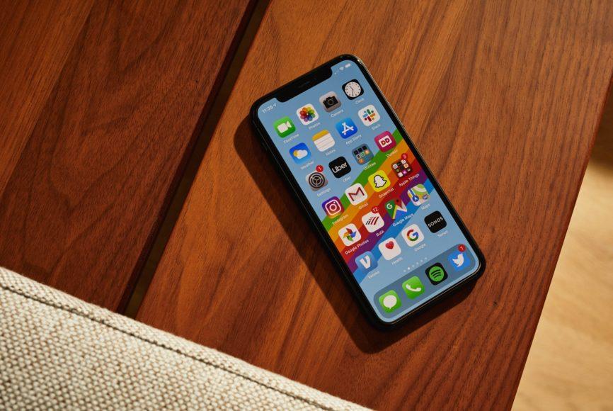 Apple iPhone 11 - Display e audio
