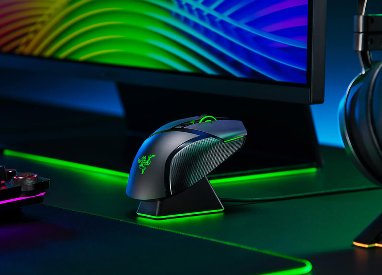 Razer Basilisk Ultimate miglior mouse wireless gaming con un dock di ricarica