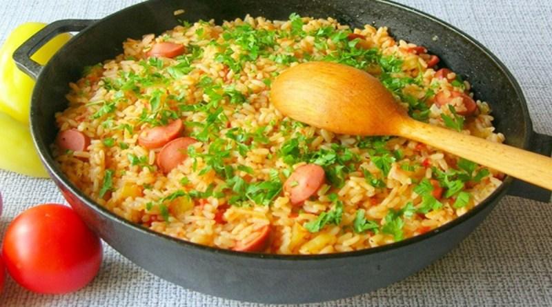 Riz aux saucisses et aux légumes