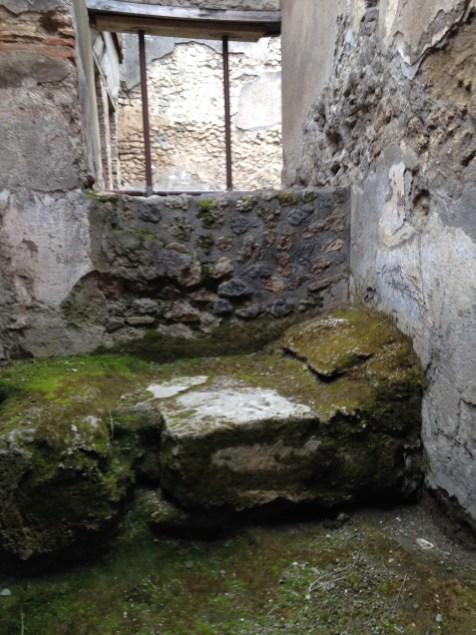 EffieMagazine.com, Effie Magazine photo Viaggio di Vanessa, Pompeii, brothel