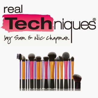real-techniques-by-nic-sam-chapman-logo