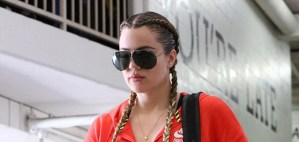 Khloe Kardashian steps out with a new hairstyle (Photos)