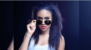 Anna Banner looking hot in a Flavour N'abania T-Shirt (Photo)