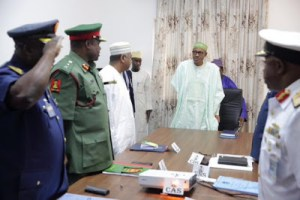 President Buhari meets with Service Chiefs