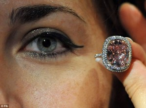 , See the largest pink diamond to ever be auctioned (Photos), Effiezy - Top Nigerian News & Entertainment Website