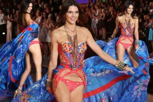 Kendall Jenner stuns in Victoria Secret Fashion Show