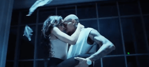 Tinashe ft. Chris Brown – Player (Official Music Video)