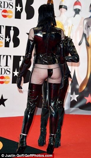 Sadie Pinn brit-awards-outfit2