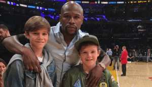 David and Victoria Beckham sons meet Floyd Mayweather (Photo)