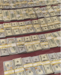 Floyd Mayweather shows off millions of dollars in cash (Photos + Video)