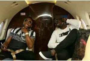 KCee and AY fly private jet to concert