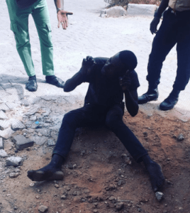 Man caught after trying to steal a laptop through a shop window in Abuja