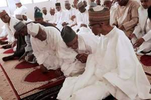 Buhari observes Jumaat with El-Rufai and others at State House