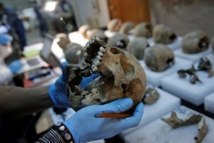 Archaeologists find tower made from hundreds of human skulls in Mexico (Photo)