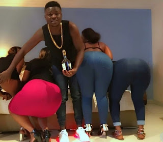 Nigerian pornstar, King Tblak aka king black hoc Reveals How Much He Pays His Girls (Photos) I8+