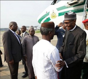 See how President Buhari's motorcade was mobbed by excited supporters in Abuja (Photos)