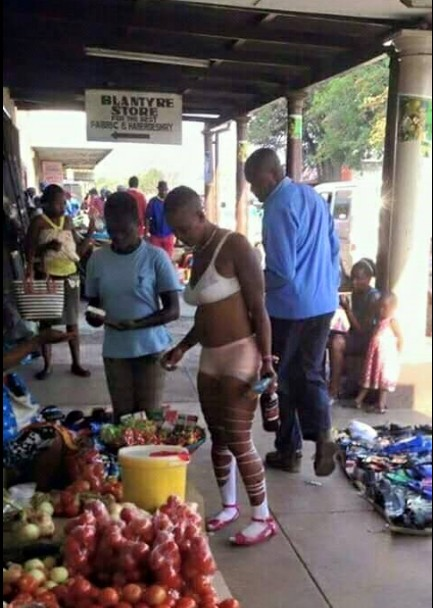 , Lady wore bra & panties to the market in Malawi & got people talking. (Photos), Effiezy - Top Nigerian News & Entertainment Website