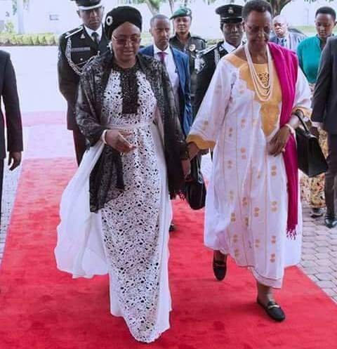 , Aisha Buhari Wears N1.6Million Oscar De La Renta Magnolia Guipure Caftan Dress, Effiezy - Top Nigerian News & Entertainment Website