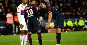 Neymar apologizes to Cavani, PSG team-mates over penalty fight