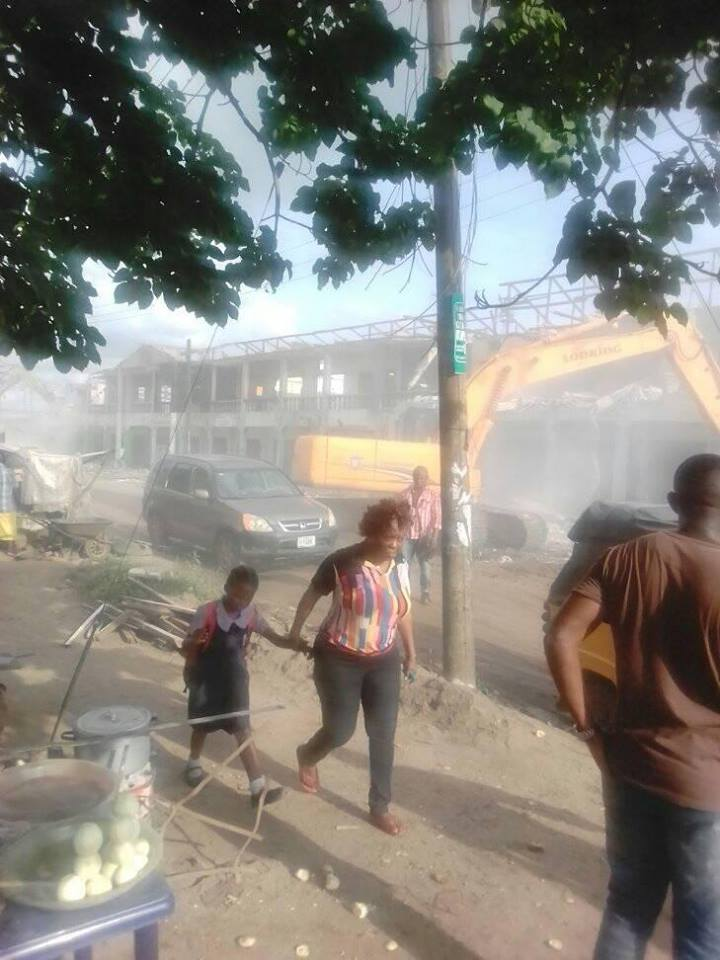 , Rochas Okorocha demolishes Dan Anyiam plaza in Owerri (Photos), Effiezy - Top Nigerian News & Entertainment Website