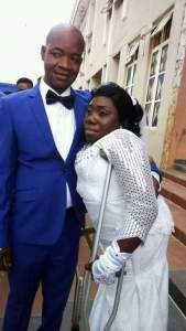 Physical challenged woman with crutches weds in Anambra (Photos)