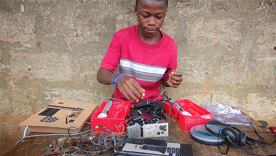, Kelvin Doe, Sierra Leonean who built his own radio station at the age of 13, Effiezy - Top Nigerian News & Entertainment Website