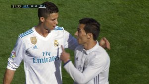 , Fake Ronaldo invades pitch during Real vs. Getafe to meet CR7 (Photo & Video), Effiezy - Top Nigerian News & Entertainment Website