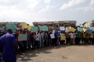 Traders shut down Abuja market over Government alleged plan to evict them