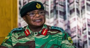 Zimbabwe army stops crowd marching on Mugabe's official home (Video)