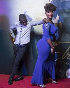 "Heavily Endowed Lady Shut Down The Red Carpet With Her Massive ""Ukwu"" (Photos"