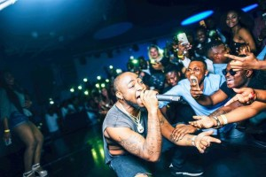 """""""Should have gotten a bigger venue"""", Davido says after Eko Hotel concert is over crowded"""