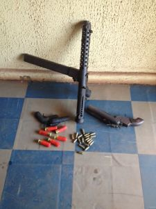 Armed robbery gang busted by police in Enugu, weapons recovered (Photo)