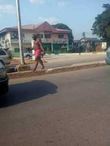Man runs mad in Owerri as people call on the commissioner for happiness to proffer a solution (Photos)