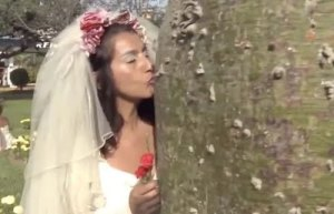 Girls marry trees in mass wedding ceremony (Photos & Videos)