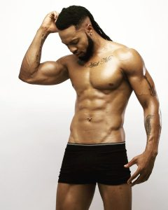 Singer, Flavour poses topless in new pic (Photos)