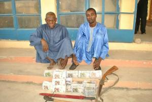 Men Arrested With Fake Currency Worth N8 Million In Niger State (Photo)