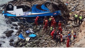 48 dead after bus plunges onto rocky beach in Peru