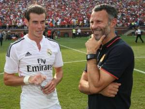 Wales boss Ryan Giggs vows to help Gareth Bale over his fitness problems