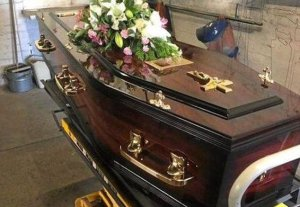 Dead woman 'gives birth' in coffin